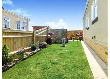 2 bed mobile/park home for sale in Manor Park Homes Estate, Hellingly, Hailsham BN27