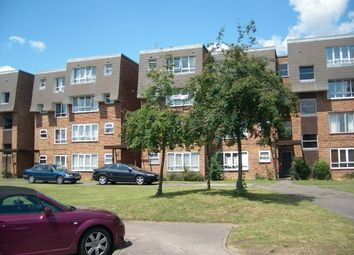 Thumbnail Studio to rent in Stourton Avenue, Hanworth, Feltham