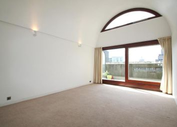 Thumbnail 1 bed flat to rent in Defoe House, Barbican, London