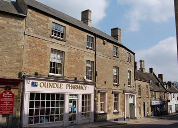 2 bed flat to rent in Market Place, Oundle, Cambridgeshire PE8