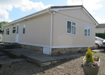 Thumbnail 2 bed mobile/park home for sale in Broadstone Park, Bingley, West Yorkshire (Ref 5019)