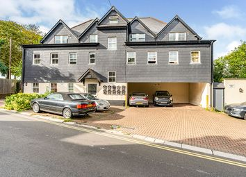 Albany House, Albany Terrace, Chatham, Kent ME4. 3 bed flat for sale