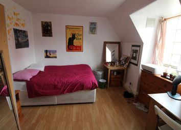 Thumbnail 3 bed flat to rent in Levita House, Chalton Street, London