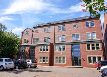 Thumbnail 3 bed flat to rent in Broomfield Crescent, Leeds