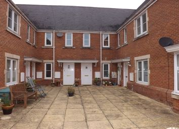 Thumbnail 2 bedroom maisonette to rent in Minnow Close, Swindon