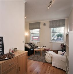 Thumbnail 1 bed flat to rent in Earls Court Road, London