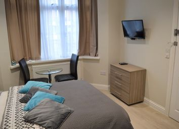 Thumbnail Studio to rent in Room 1 Fencepiece Road, Ilford