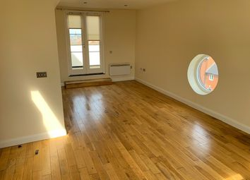 Thumbnail 3 bed flat to rent in Commercial Street, Leeds