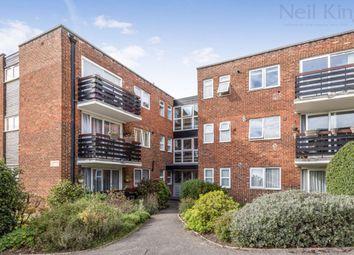 Parkmore Close, Woodford Green, Esses IG8. 2 bed flat