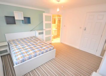Thumbnail Room to rent in Field Road, Reading, Berkshire, - Room 5