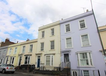 2 bed flat to rent in Clarendon Street, Leamington Spa CV32