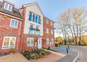 3 bed end terrace house to rent in Edgeworth Close, Langley SL3