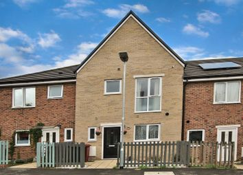 Thumbnail 3 bed town house for sale in Leven Street, Reading