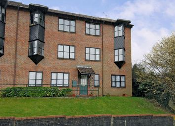 Thumbnail Flat to rent in Cameron Road, Chesham