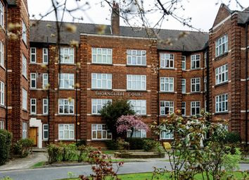Thumbnail 2 bedroom flat to rent in Kings Avenue, Clapham, London