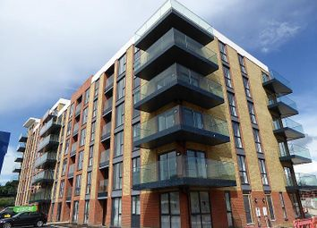 Thumbnail 2 bed flat to rent in Oscar Wilde Road, Reading