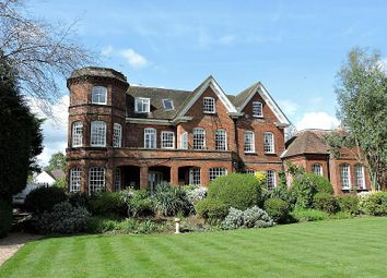 Thumbnail 1 bed flat to rent in Summersbury Hall, Summersbury Drive, Guildford
