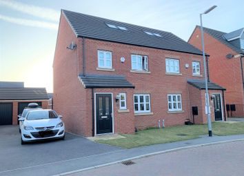 Thumbnail 4 bed property for sale in Overend Avenue, Pocklington, York
