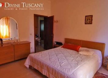 Thumbnail Apartment for sale in Via Pia, Pienza, Siena, Tuscany, Italy