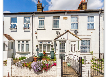 3 bed terraced house for sale in Bath Rd, Harlington UB3