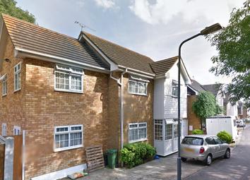 Thumbnail Studio to rent in Roding Lane South, Redbridge Ilford