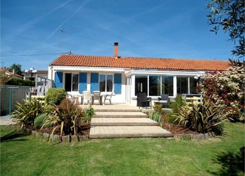 Thumbnail 2 bed detached house for sale in Poitou-Charentes, Charente-Maritime, Surgeres