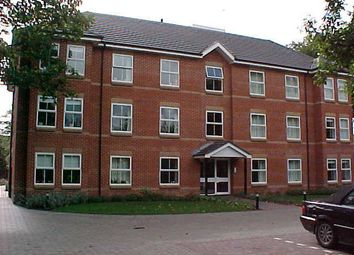 2 bed flat to rent in Poole Road, Westbourne, Bournemouth BH4