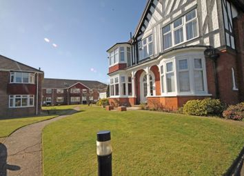 Thumbnail 2 bed flat to rent in Summerfiedls, Kings Road, Cleethorpes