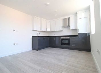 2 bed flat to rent in Bromham Road, Charter House, Bedford MK40