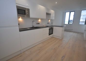 Thumbnail 1 bed flat to rent in Garrard Street, Reading