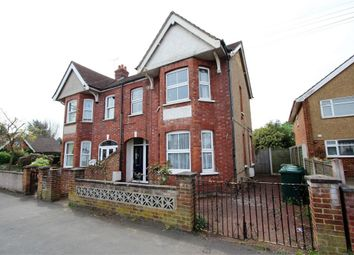 2 bed maisonette to rent in Ferndale Road, Ashford, Surrey TW15