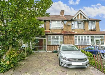 3 bed property for sale in Links Avenue, Morden SM4