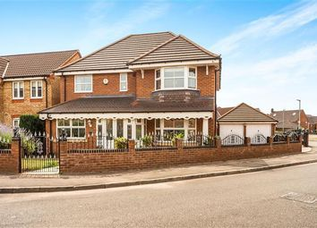 Thumbnail 4 bed property to rent in Great Meadow, Tipton