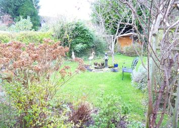 Thumbnail 1 bed flat to rent in Ball Hill, Newbury