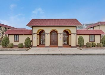 Thumbnail Town house for sale in Club House Pool, Greenburgh, Ny 10583, Usa