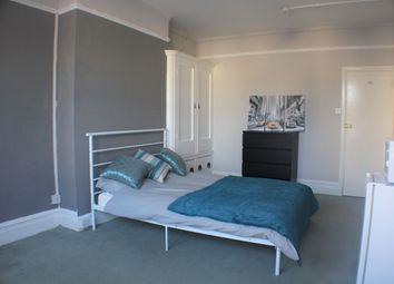 Thumbnail Room to rent in Cheriton Road, Folkestone