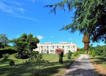 Thumbnail 9 bed property for sale in Aquitaine, Gironde, Bordeaux