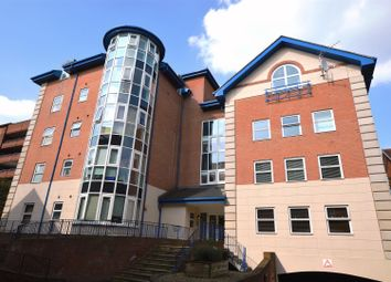 2 bed flat for sale in London Road, St.Albans AL1