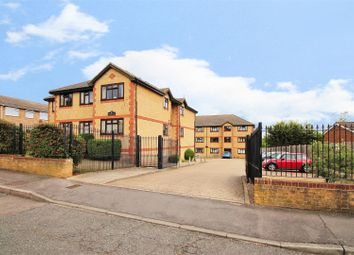 Thumbnail 2 bed flat for sale in Cheshunt Road, Belvedere