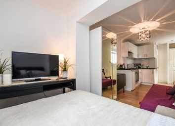 Thumbnail Studio to rent in Oakley Square, Camden, London
