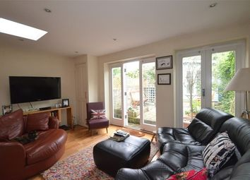 Thumbnail 3 bed property for sale in Navarino Grove, London Fields