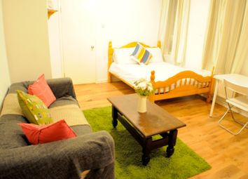 Thumbnail 1 bed flat to rent in Watts Street, Wapping