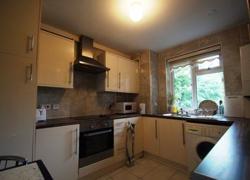 Thumbnail 2 bed flat to rent in Queensbridge Road, London