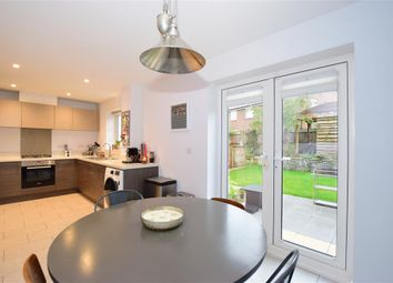 Goldfinch Drive, Ashford, Kent TN25. 3 bed detached house for sale