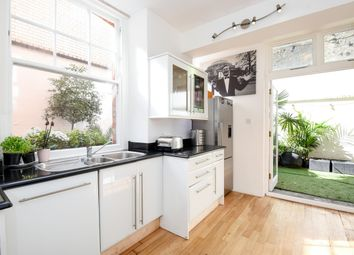 Thumbnail 4 bed flat for sale in Nottingham Place, London