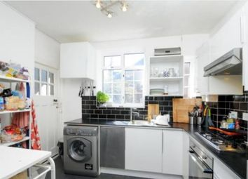 3 bed flat to rent in Oakfield Court, Haslemere Road, Crouch End, London N8