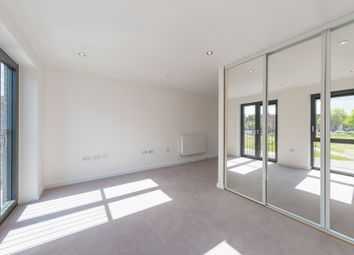 Thumbnail 2 bed flat for sale in Eythorne Road, Oval, London