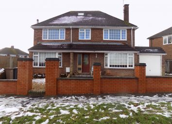 Thumbnail 6 bed detached house to rent in Rossfold Road, Luton, Bedfordshire