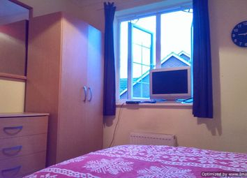 Thumbnail 5 bed shared accommodation to rent in South Road, Colliers Wood