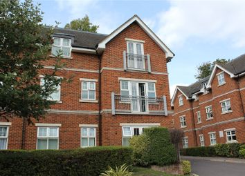 2 bed property for sale in Bramshott Place, Fleet GU51